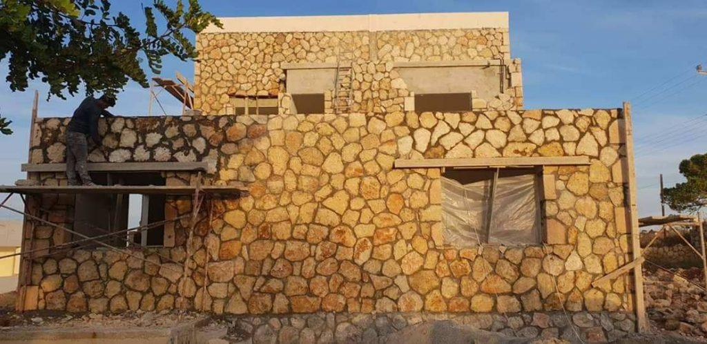 Xây tường đá hộc